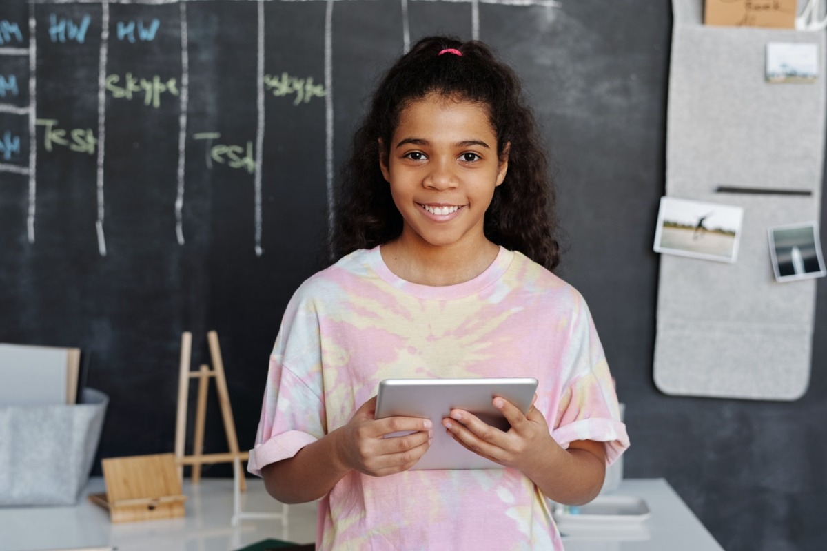 Harnessing the Benefits of Technology in Education: Raising Awareness and Promoting Knowledge